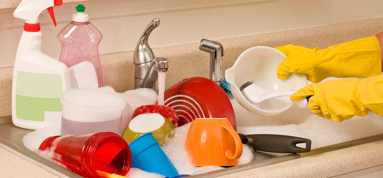 Quick and Easy Kitchen Cleaning Hacks for Working Moms - Mom Blog ...