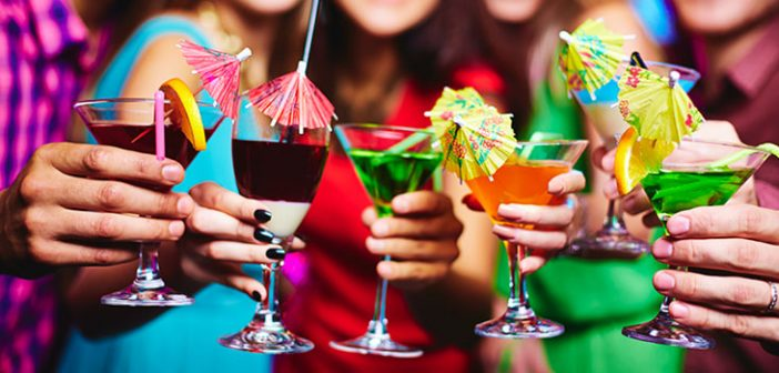7 Top Tips for Hosting a Stress-Free Cocktail Party